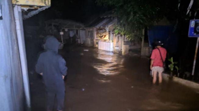 Banjir Terjang kota Jember, Hanyutkan Rumah Warga