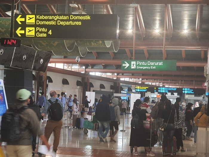 Bandara Soetta Melarang Anak di Bawah 12 Tahun Naik Pesawat