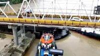 Tongkang Muatan Batu Bara Hantam Pilar Jembatan Mahakam, BBPJN Akan Lapor Polisi